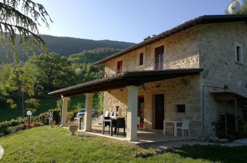 Villino con piscina in Vendita a Ascoli Piceno