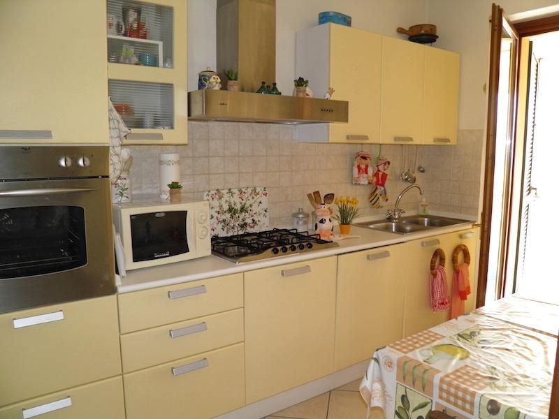 vendita appartamento viareggio migliarina  199000 euro  5 locali  80 mq