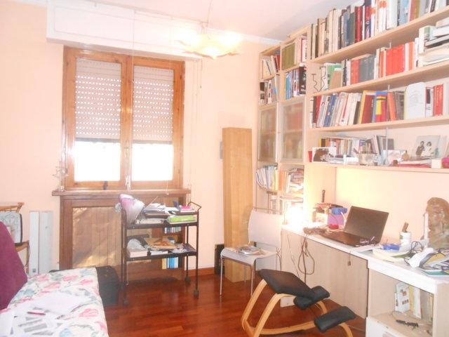 vendita appartamento viareggio migliarina  180000 euro  5 locali  80 mq
