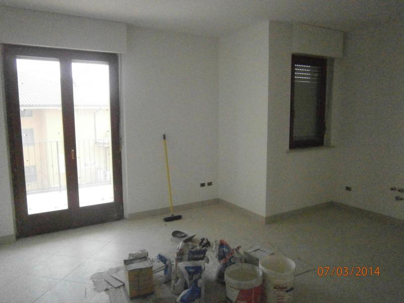 Appartamento in vendita a Nereto, 4 locali, prezzo € 135.000 | Cambio Casa.it