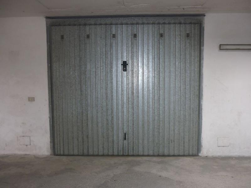 Box / Garage in vendita a Monteprandone, 1 locali, zona Zona: Centobuchi, prezzo € 26.000   Cambio Casa.it