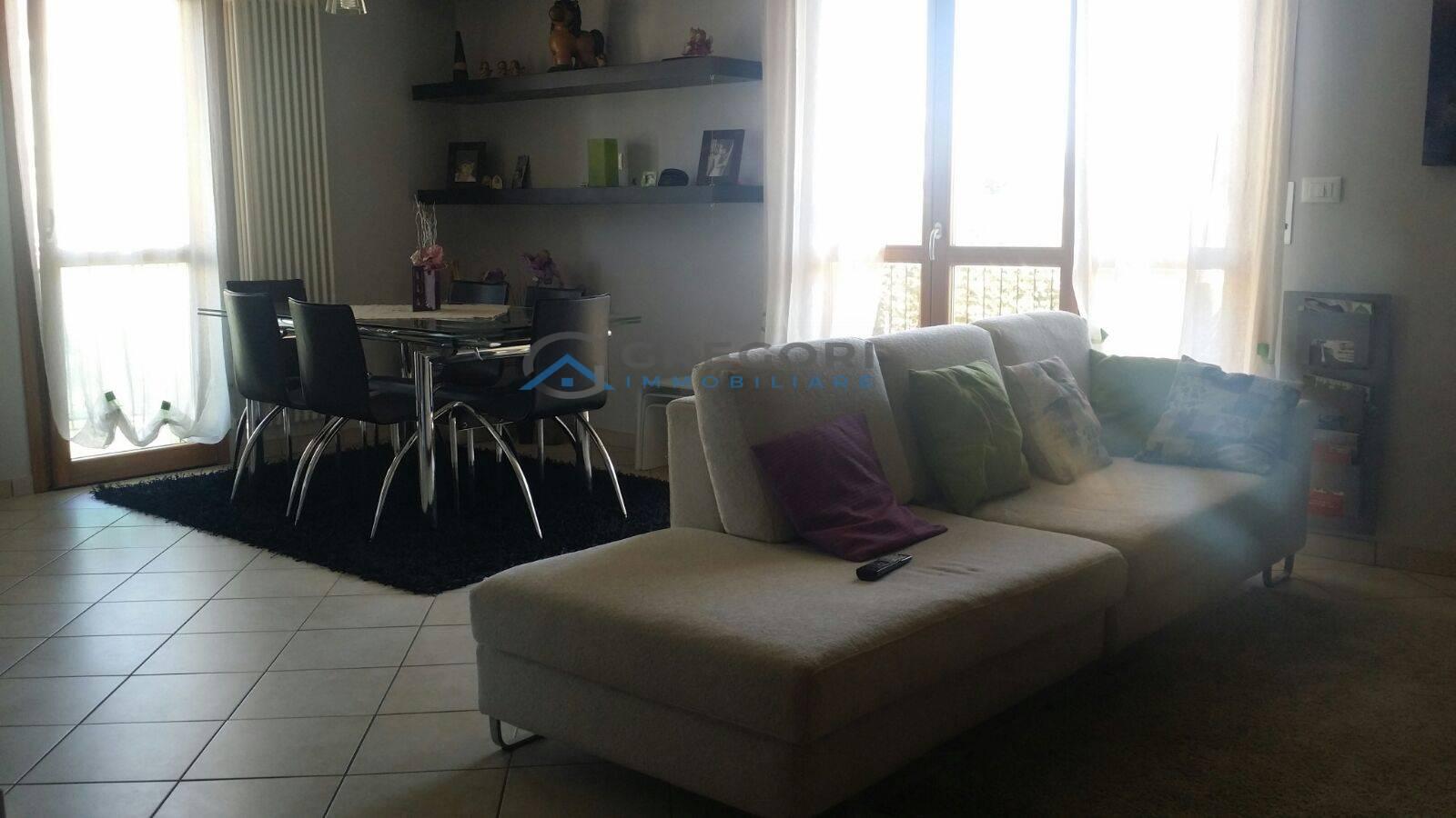 vendita appartamento martinsicuro villa rosa  118000 euro  3 locali  85 mq