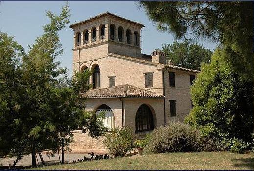 Villa in vendita a Potenza Picena, 16 locali, zona Località: PortoPotenzaPicena, prezzo € 1.200.000   CambioCasa.it