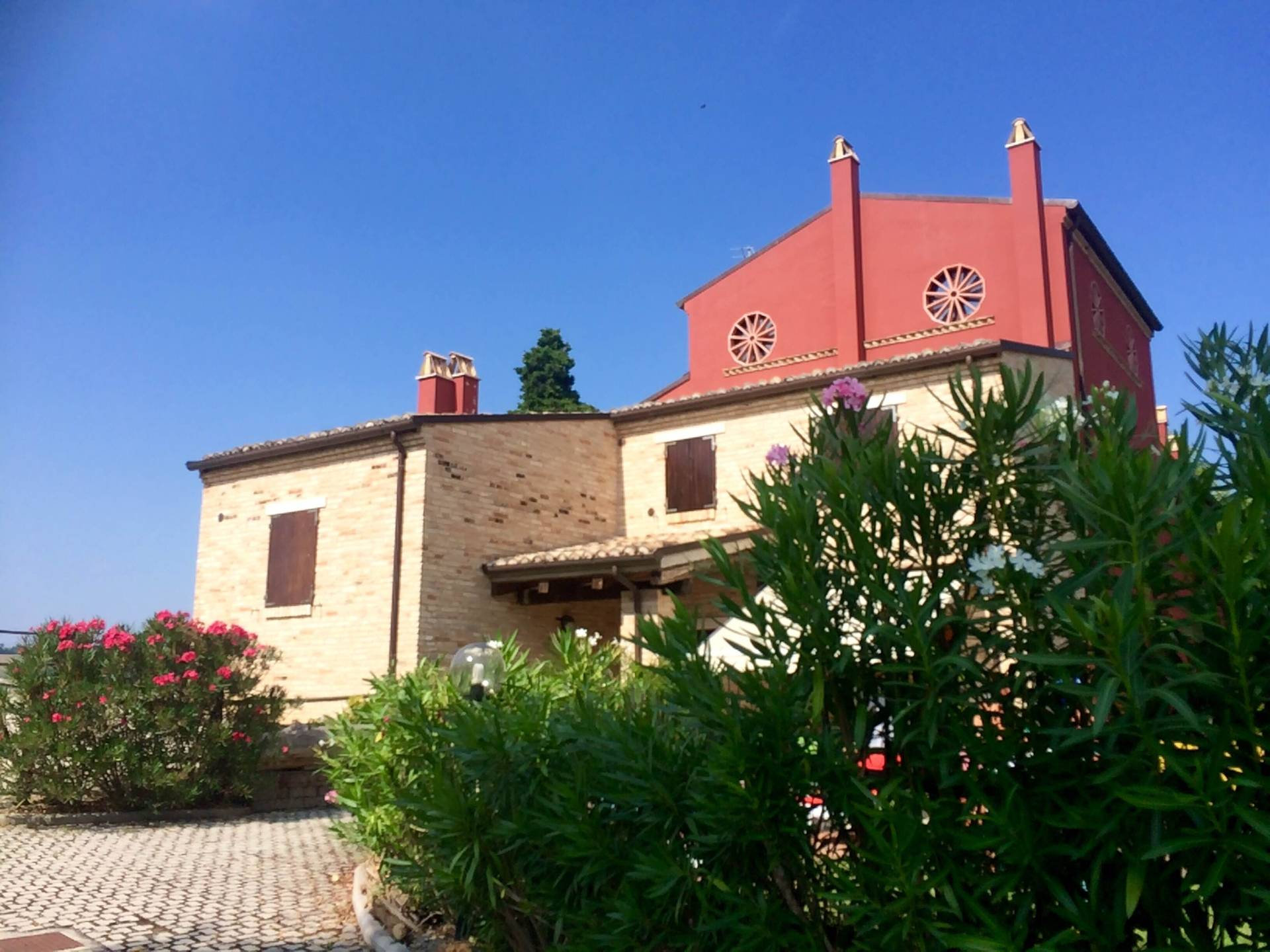 Appartamento in vendita a Rotella, 2 locali, prezzo € 120.000   CambioCasa.it