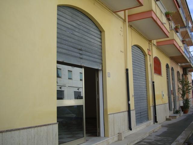 Negozio / Locale in vendita a Scicli, 9999 locali, prezzo € 200.000 | CambioCasa.it