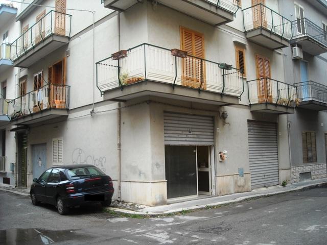 Negozio / Locale in affitto a Scicli, 9999 locali, prezzo € 500 | CambioCasa.it