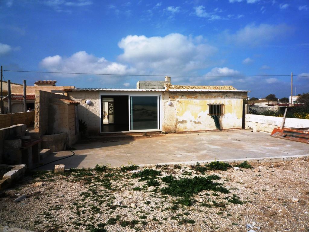 casa sulla spiaggia in vendita a ispica cod m90