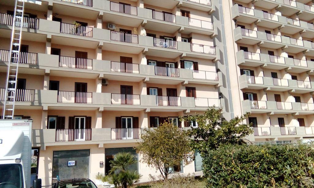 Ufficio / Studio in affitto a Modica, 9999 locali, zona Località: ModicaSorda, prezzo € 900 | Cambio Casa.it