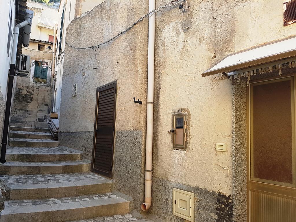 Bilocale Scicli Via San Corrado 4