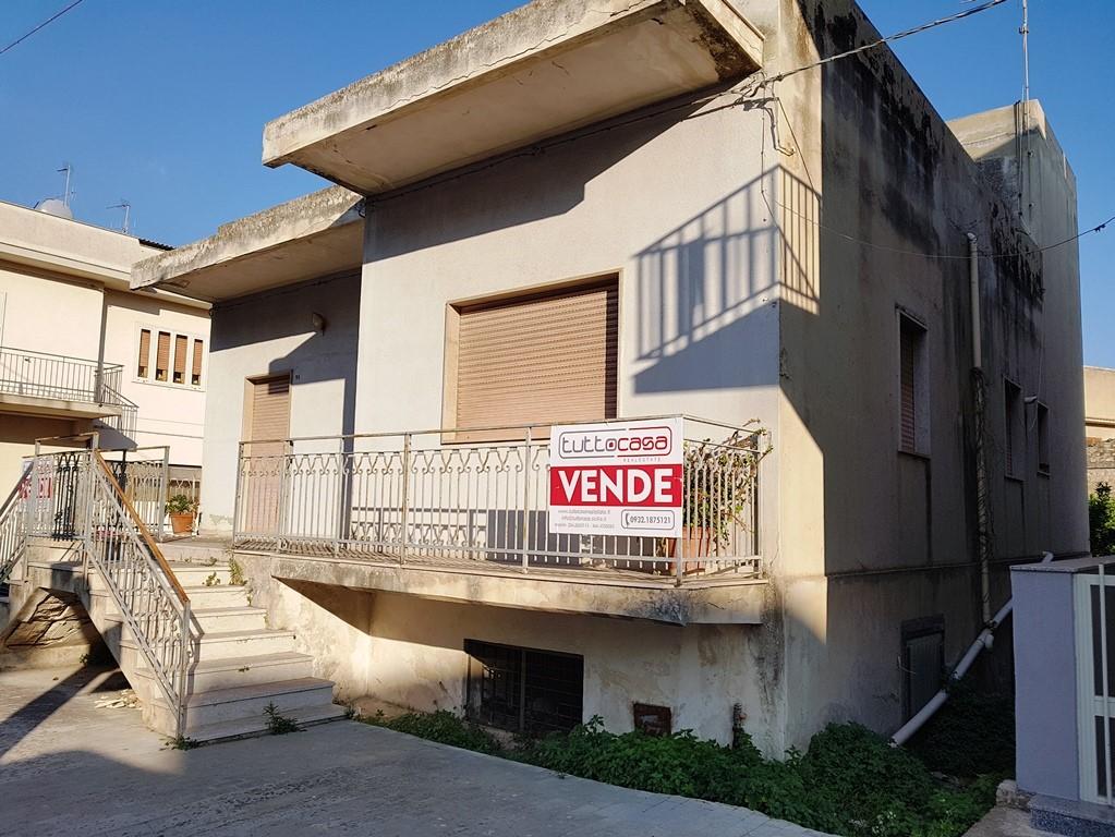 vendita casa indipendente scicli scicli  270000 euro  6 locali  300 mq