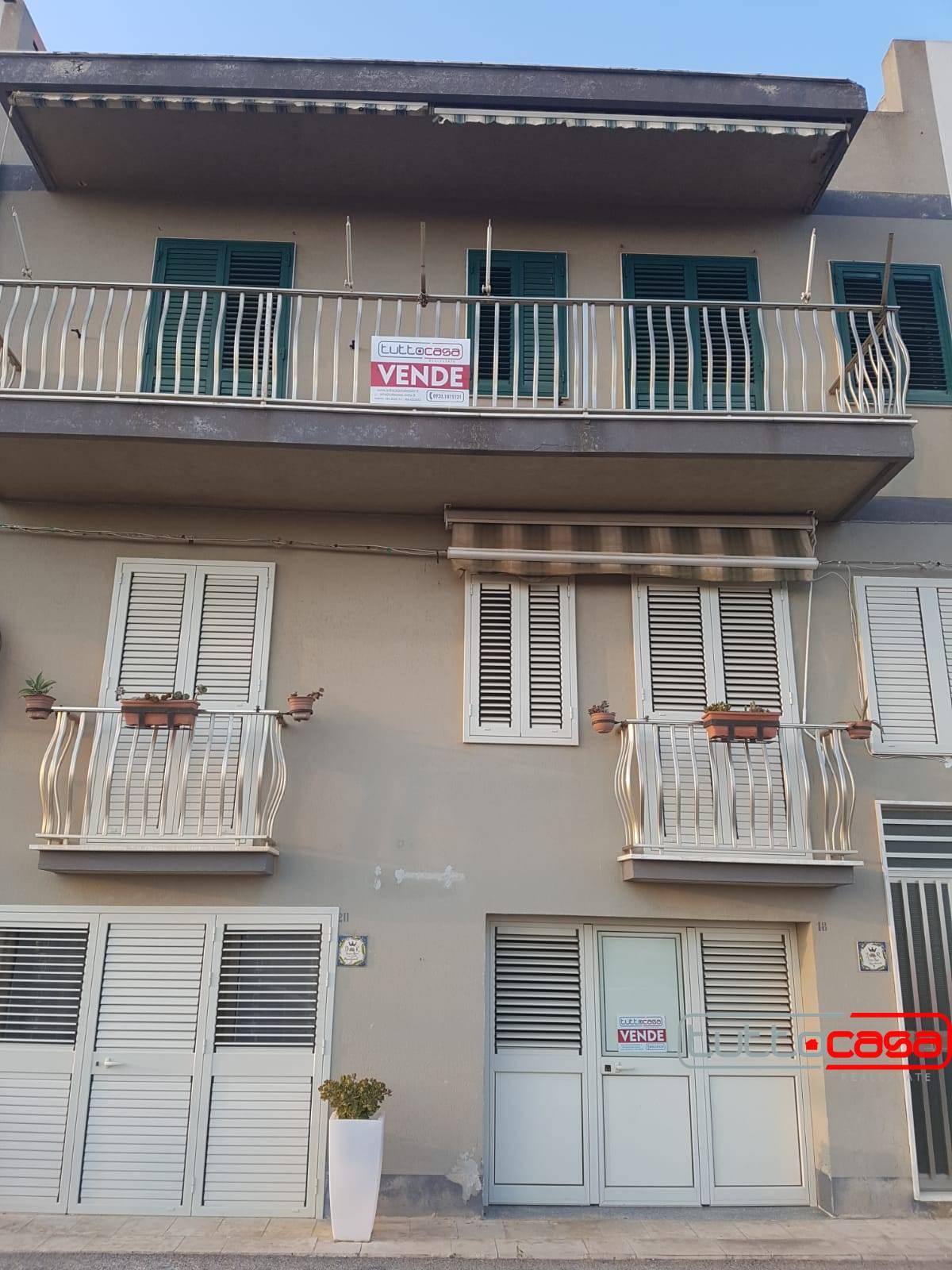 Appartamento in vendita a Scicli, 4 locali, zona alucata, Trattative riservate | PortaleAgenzieImmobiliari.it