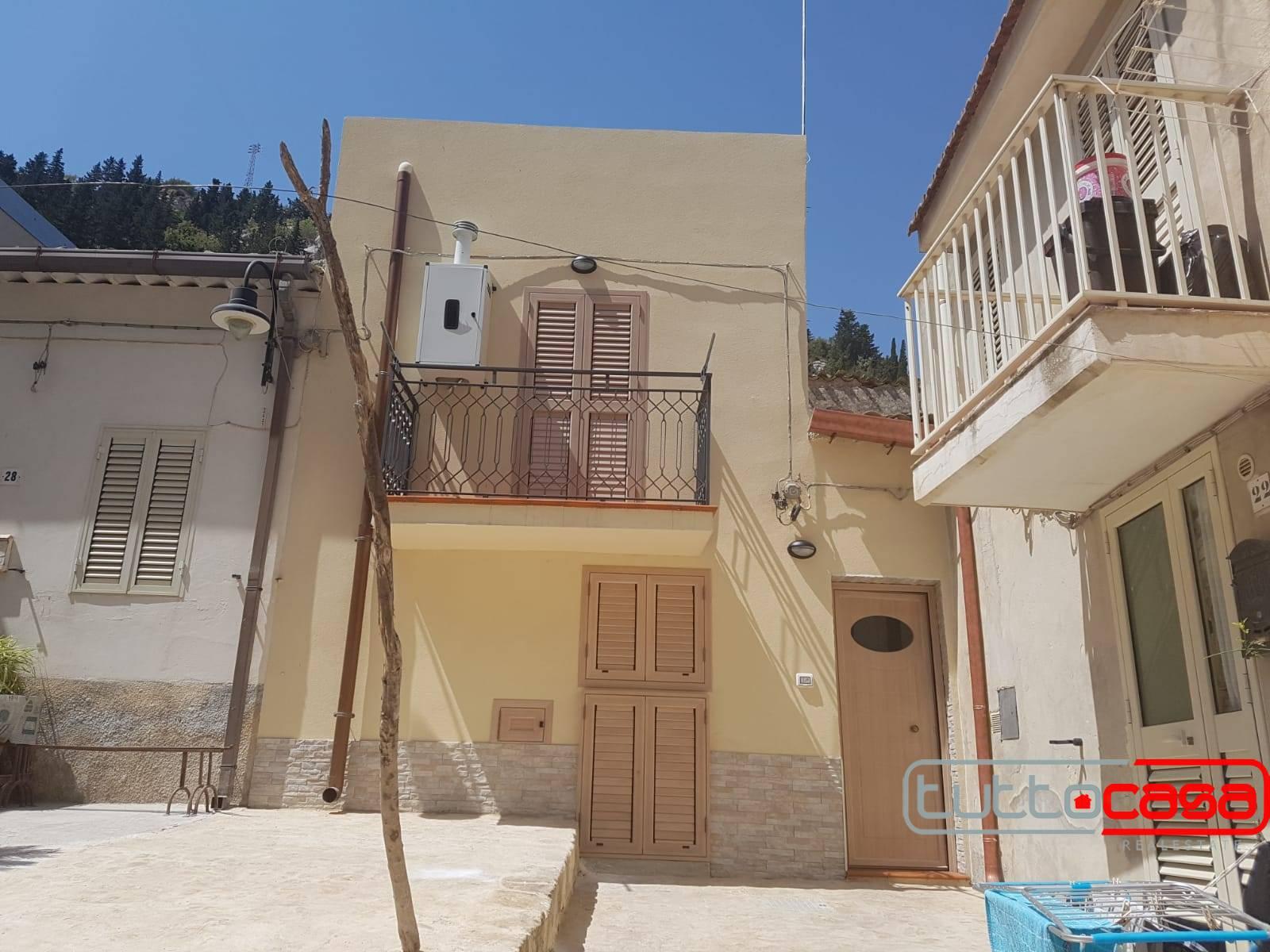 Immobile Turistico in affitto a Scicli, 4 locali, Trattative riservate | CambioCasa.it