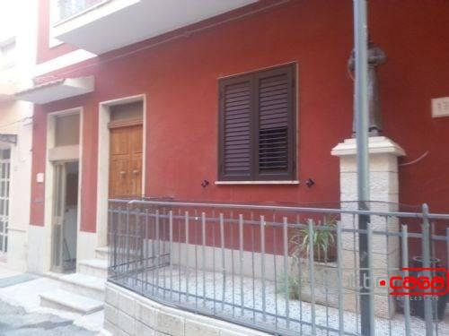 Appartamento in vendita a Pozzallo, 8 locali, prezzo € 160.000 | PortaleAgenzieImmobiliari.it