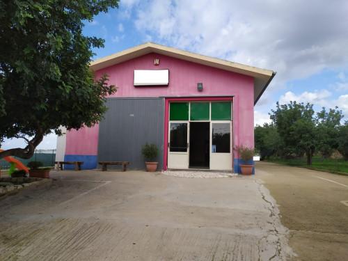 Locale commerciale in Affitto/Vendita a Scicli