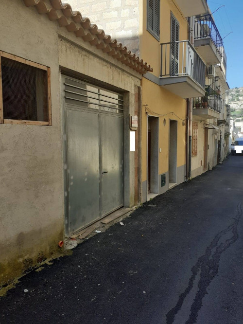 Garage in Vendita a Scicli