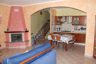 villa quadrifamiliare in Vendita a Borgo Virgilio