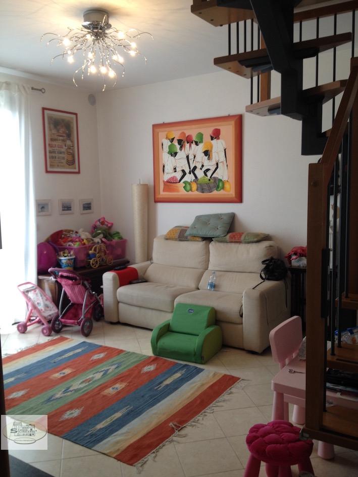 Appartamento in affitto a Formigine, 4 locali, zona Località: Formigine, prezzo € 700 | Cambio Casa.it