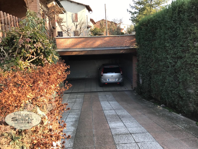 Villa in vendita a Sassuolo, 12 locali, zona Località: SanMicheledeiMucchietti, Trattative riservate | Cambio Casa.it
