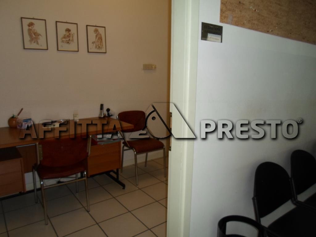Negozio / Locale in affitto a Cesena, 9999 locali, zona Località: TorredelMoro, prezzo € 650 | CambioCasa.it