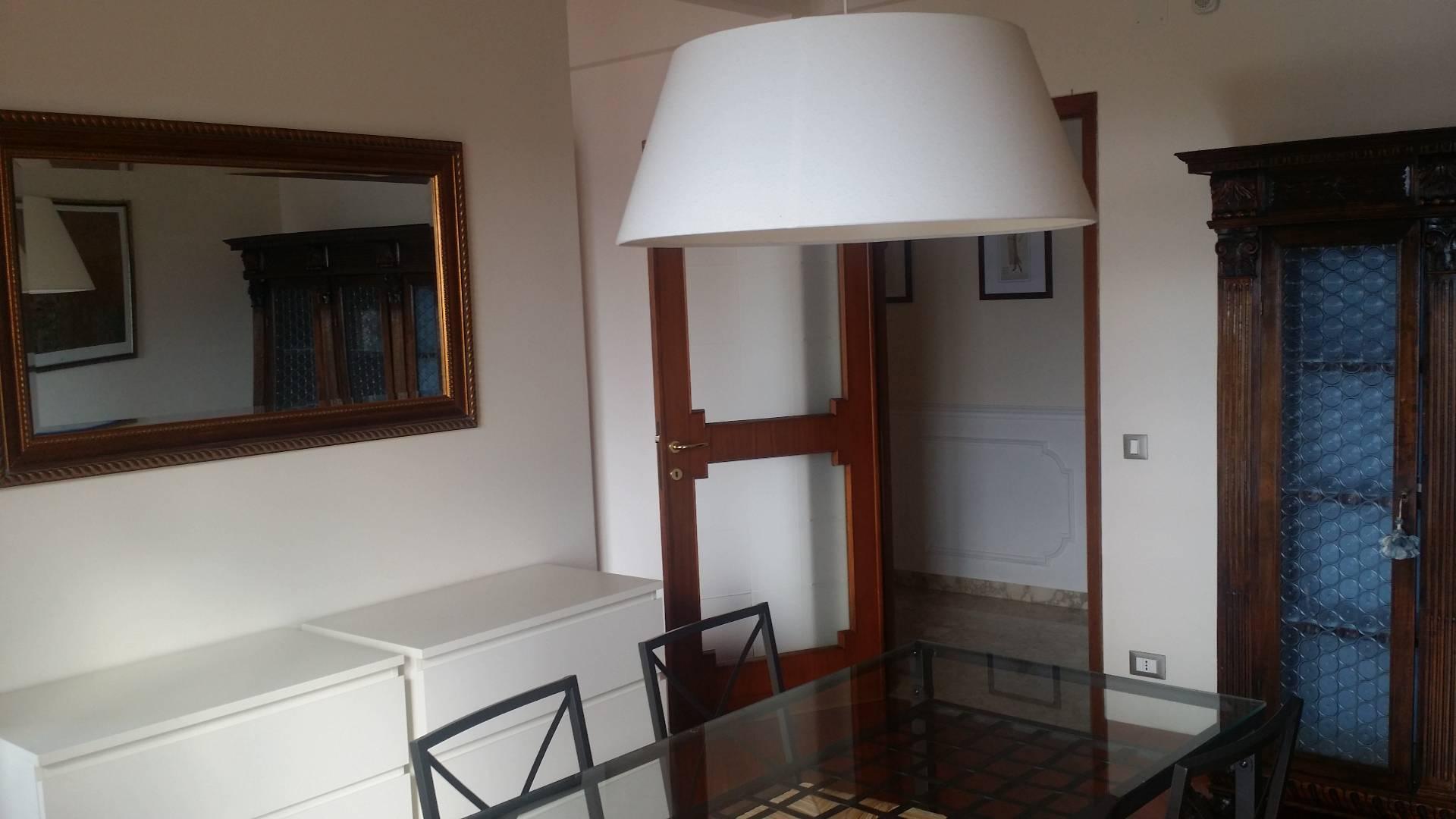 Attico / Mansarda in affitto a Empoli, 5 locali, zona Località: Centro, prezzo € 850 | Cambio Casa.it