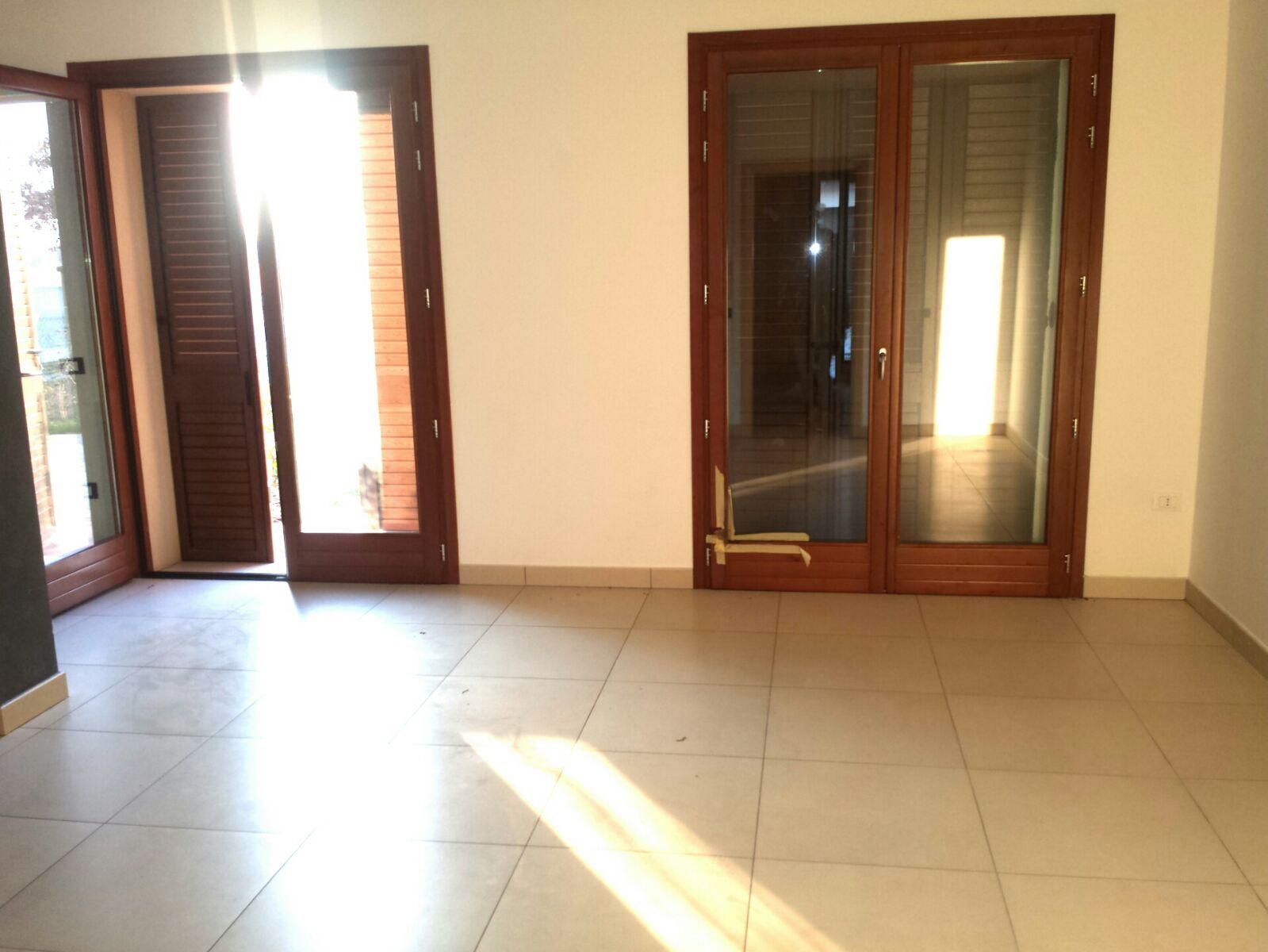 Soluzione Indipendente in affitto a Ravenna, 5 locali, zona Zona: Savarna, prezzo € 600 | Cambio Casa.it
