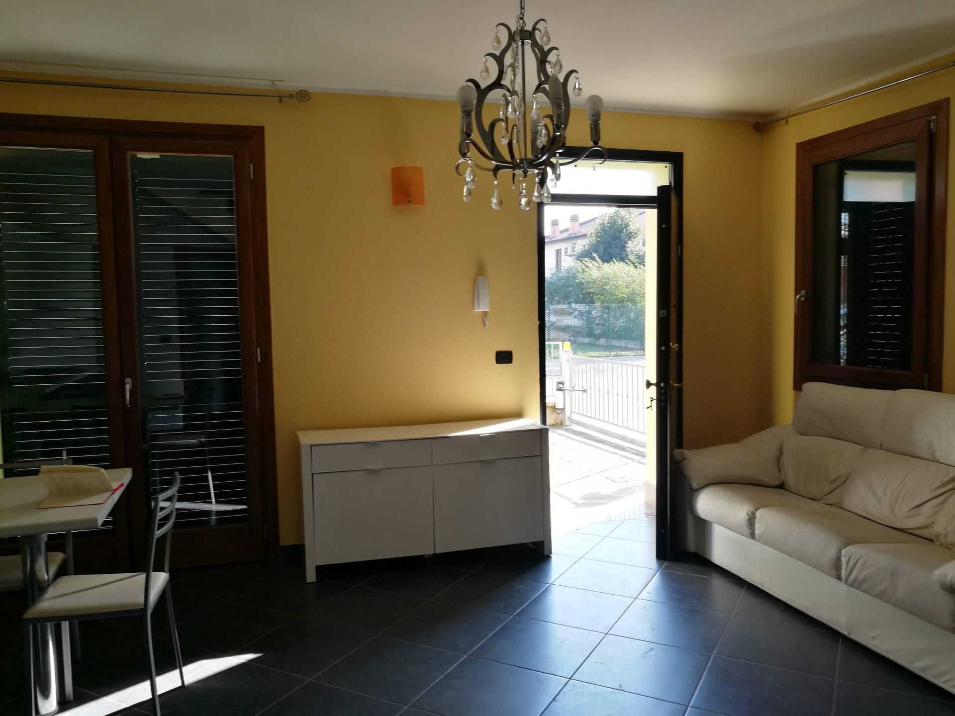 Villa in affitto a Conselice, 5 locali, prezzo € 600 | Cambio Casa.it