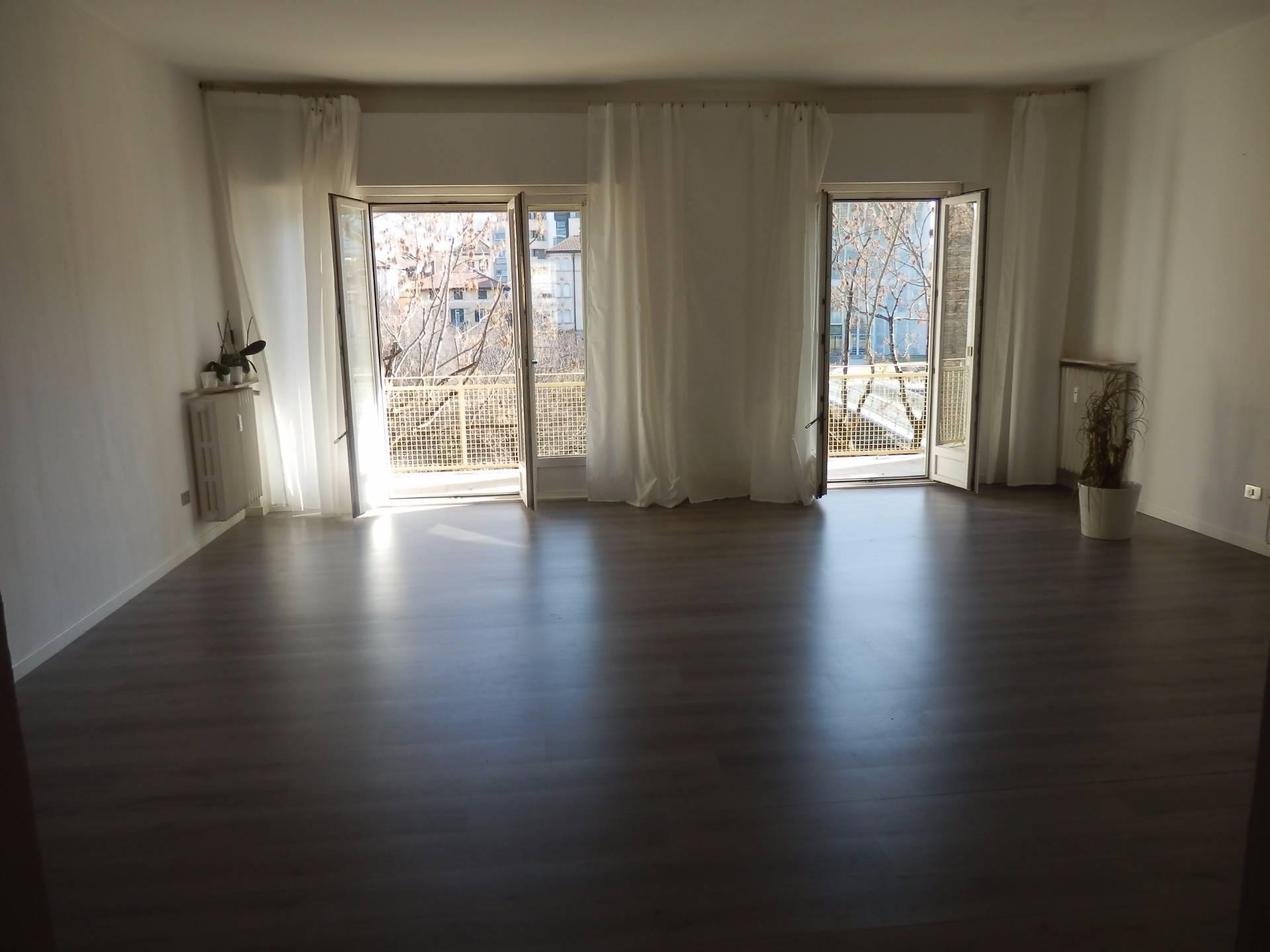 Appartamento in affitto a Bolzano, 6 locali, zona Zona: Residenziale, prezzo € 1.500 | Cambio Casa.it