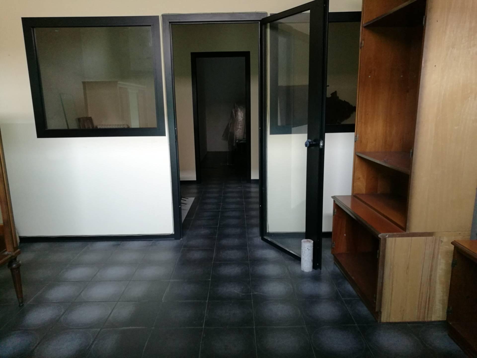 Ufficio / Studio in affitto a Lugo, 9999 locali, zona Località: centro, prezzo € 280 | Cambio Casa.it