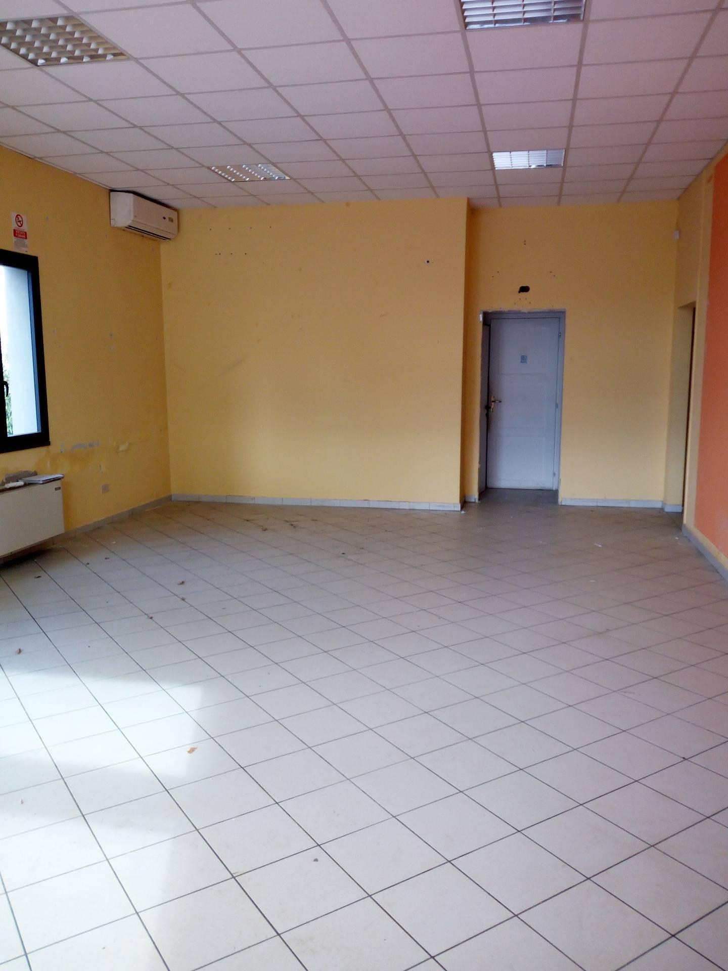 Attività / Licenza in affitto a Montelupo Fiorentino, 9999 locali, zona Zona: Fibbiana, prezzo € 2.300 | Cambio Casa.it