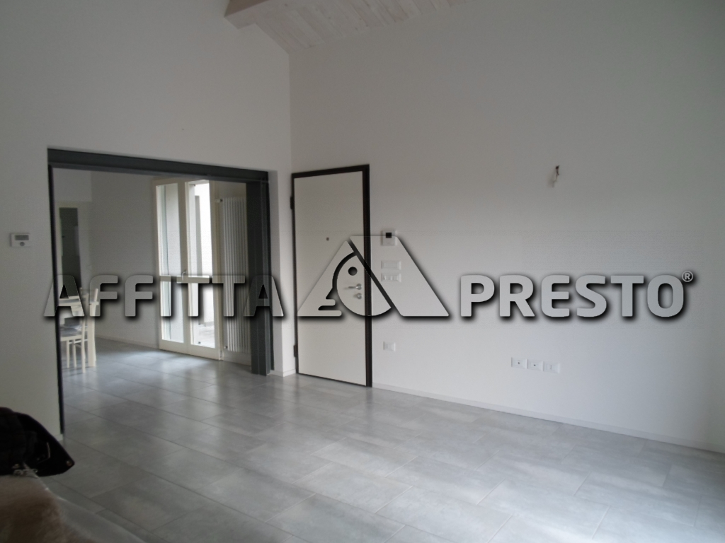 Soluzione Semindipendente in affitto a Cesena, 3 locali, zona Zona: Borello, prezzo € 500 | Cambio Casa.it