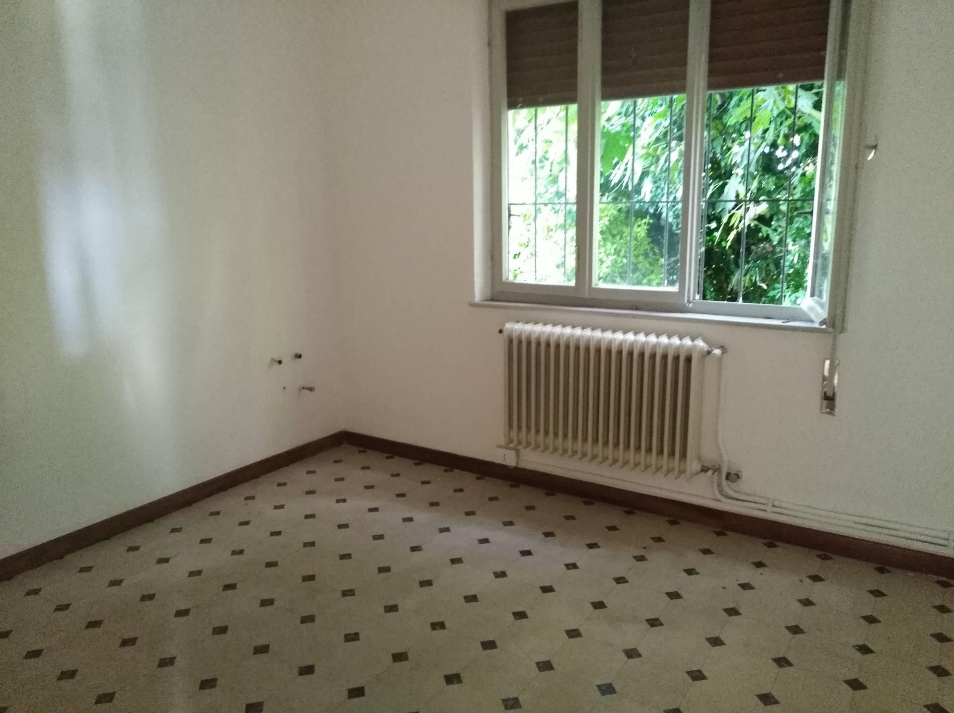 Villa Bifamiliare in vendita a Aquileia, 2 locali, prezzo € 75.000 | CambioCasa.it