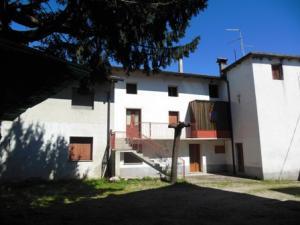 casa accostata in Vendita a Trivignano Udinese