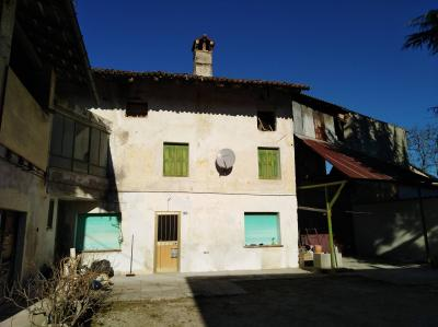 casa accostata in Vendita a Chiopris-Viscone
