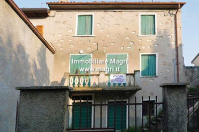Country House / Rustico for Sale in Costermano sul Garda