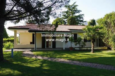 Semi-detached house for Sale in Bardolino