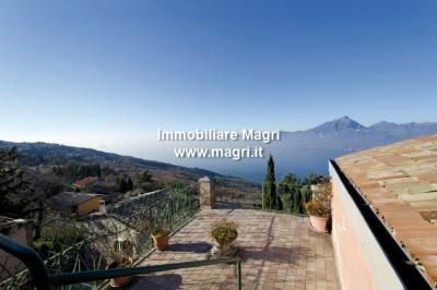 Country House / Rustico for Sale in San Zeno di Montagna