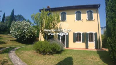 Villa for Sale in Cavaion Veronese
