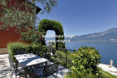 Villa for Sale in Brenzone sul Garda