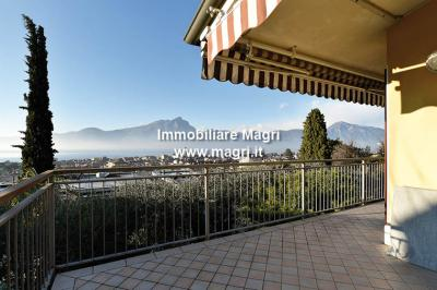 Villa for Sale in Torri del Benaco