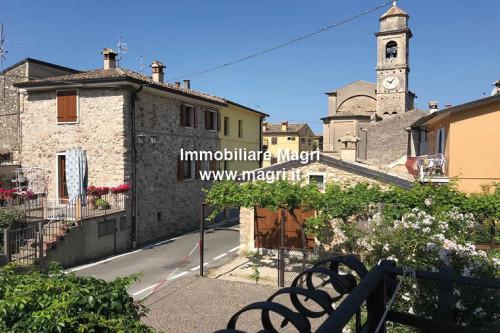 Einfamilienhaus zum Kauf in Torri del Benaco
