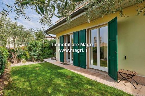 Casa singola in Vendita a Torri del Benaco