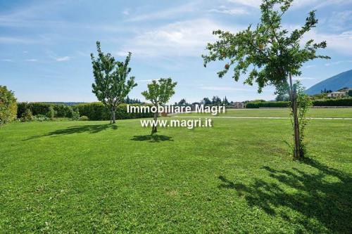 Villa in Vendita a Caprino Veronese
