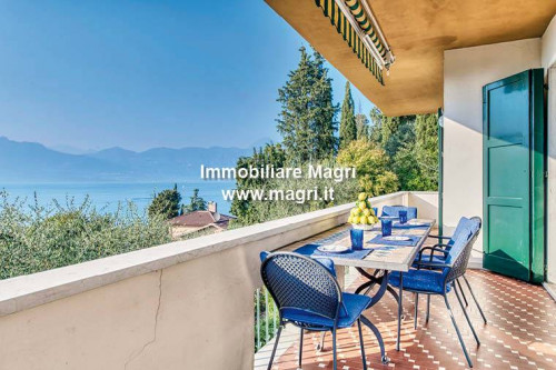 Villa for Sale in Torri del Benaco