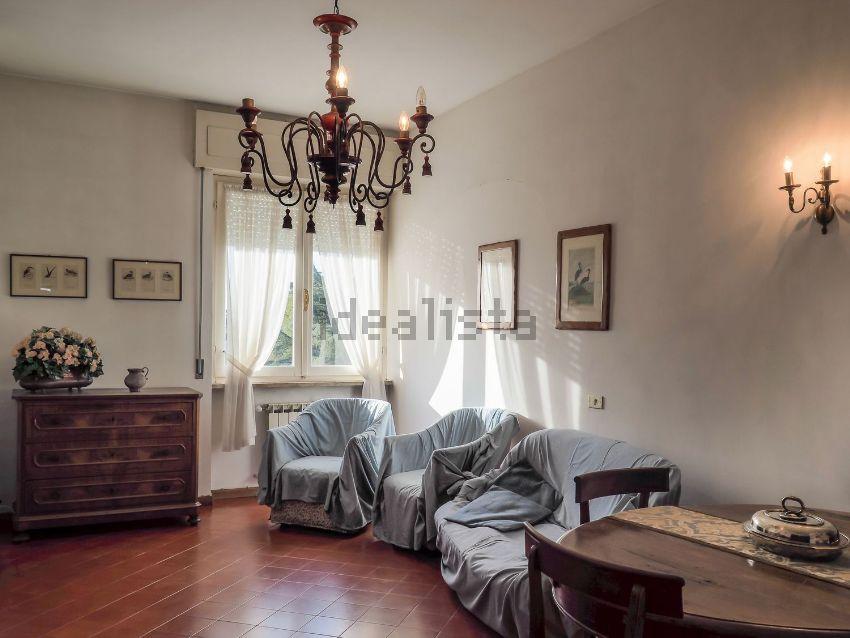 vendita appartamento sarzana centro  235000 euro  5 locali  118 mq