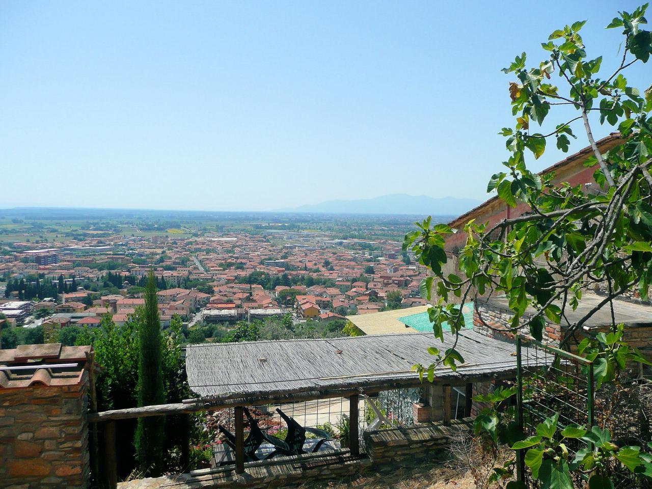 Rustico / Casale in vendita a Monsummano Terme, 10 locali, Trattative riservate | CambioCasa.it