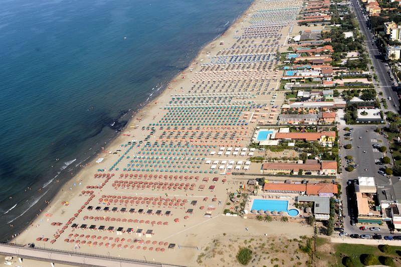 Negozio / Locale in vendita a Viareggio, 9999 locali, Trattative riservate | CambioCasa.it