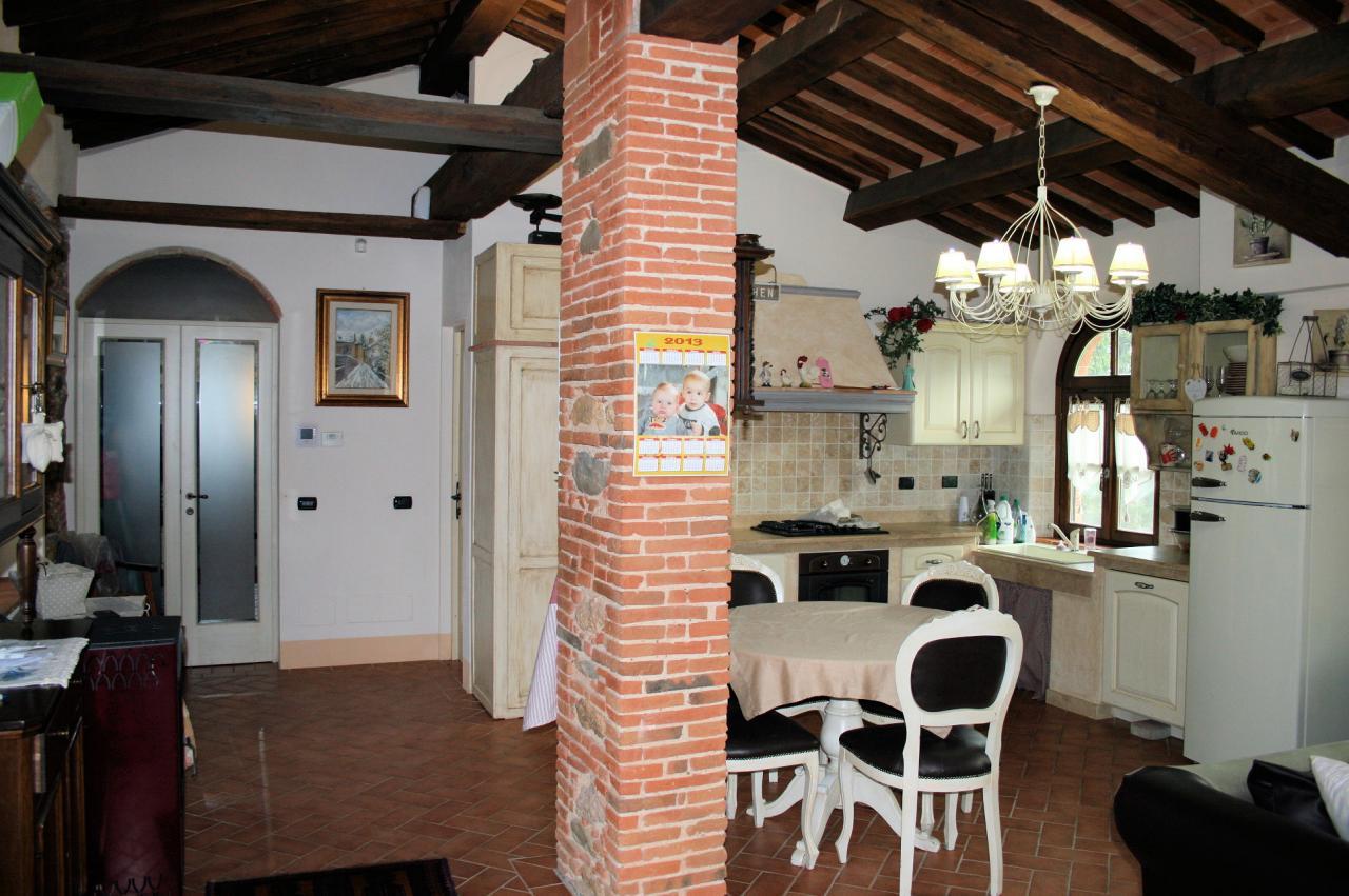 413 porzione di rustico in stile toscano buti asip for Arredamento agenzia immobiliare