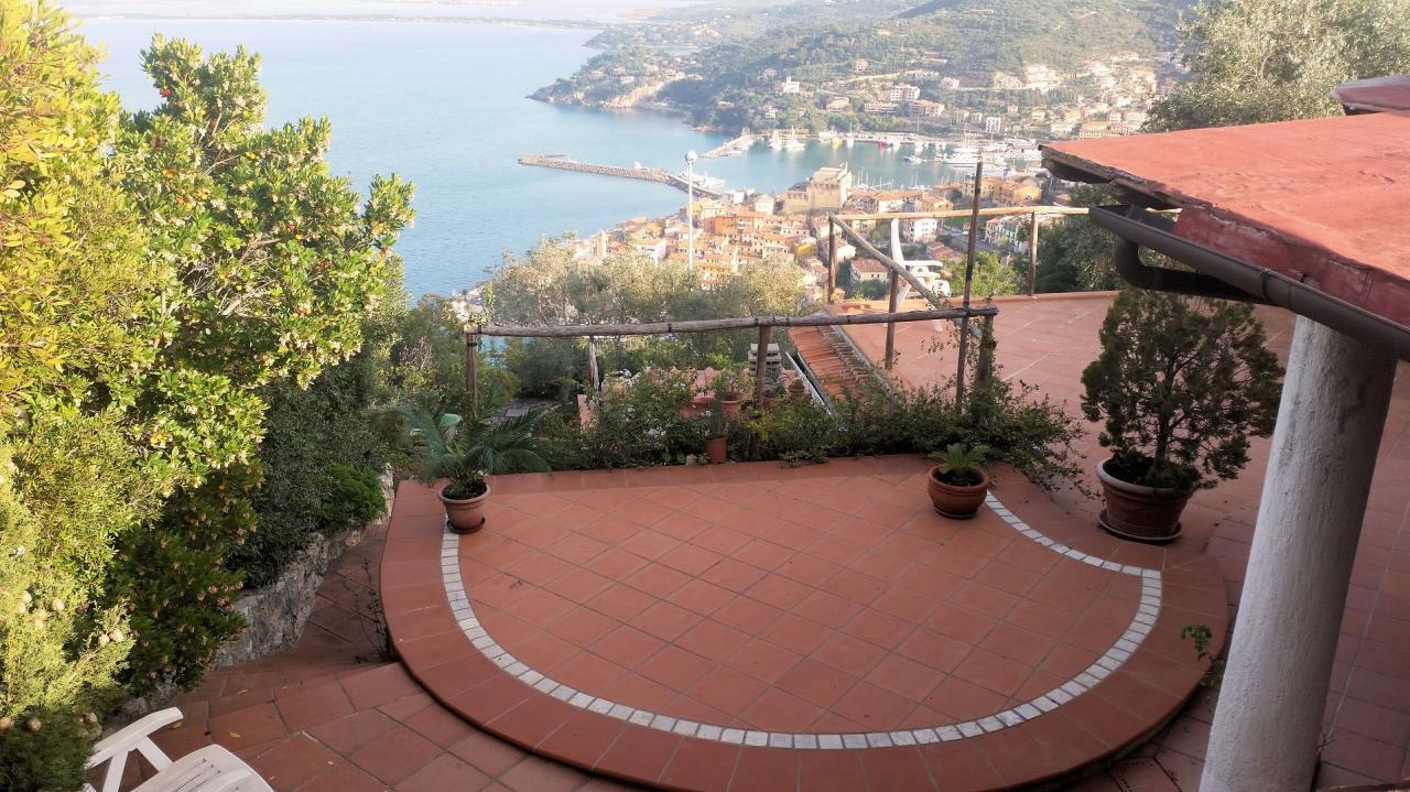 Villa in vendita a Monte Argentario, 9 locali, zona Località: PortoS.oStefano, prezzo € 1.500.000 | Cambio Casa.it