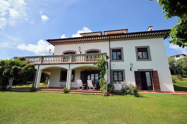 Villa in vendita a Lucca, 15 locali, zona Località: S.Alessio, prezzo € 1.250.000 | Cambio Casa.it