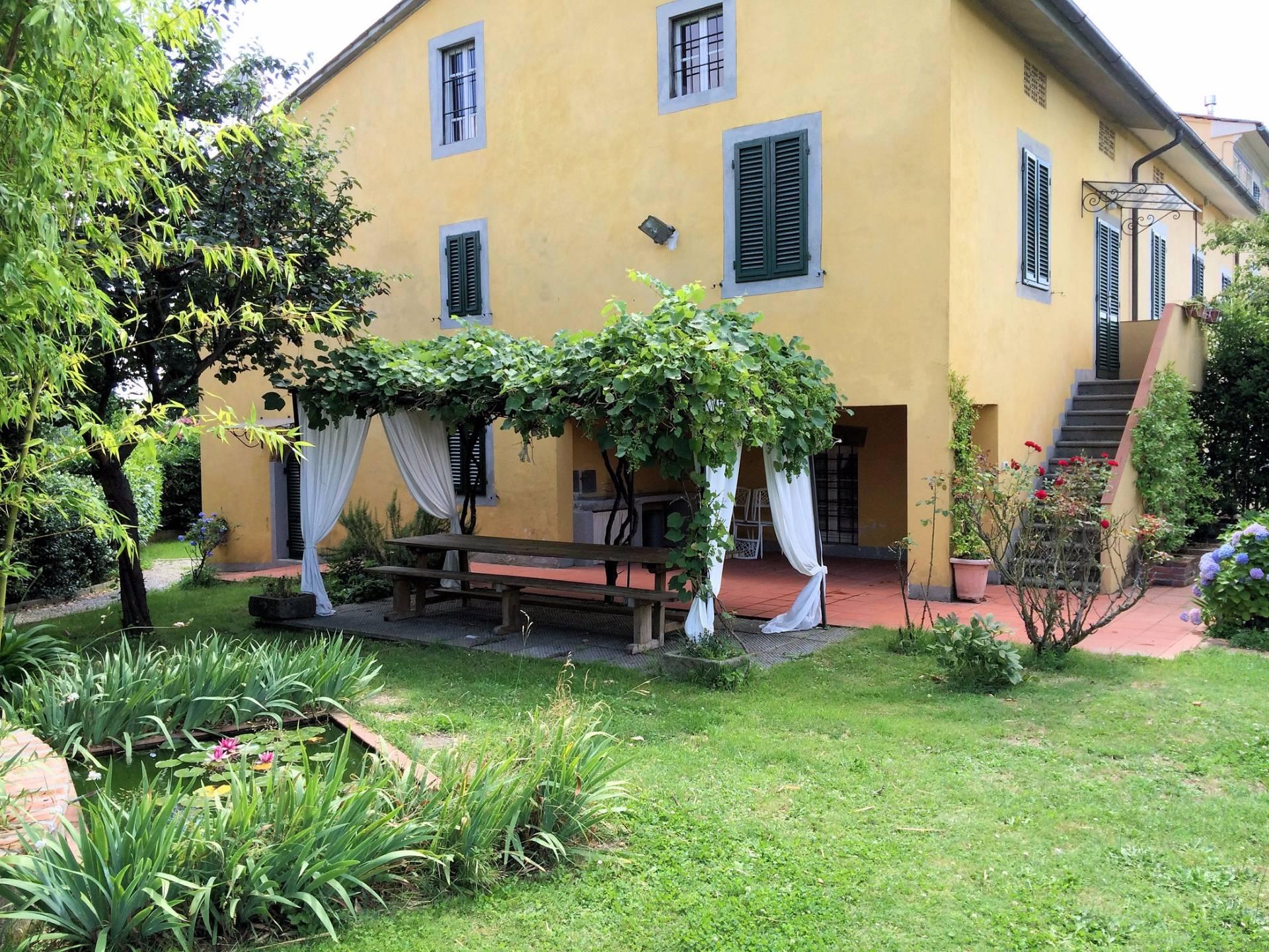 Rustico / Casale in vendita a Montecarlo, 9 locali, zona Località: SanGiuseppe, prezzo € 480.000 | Cambio Casa.it